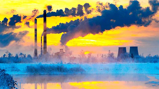 Kraftwerk im Winter