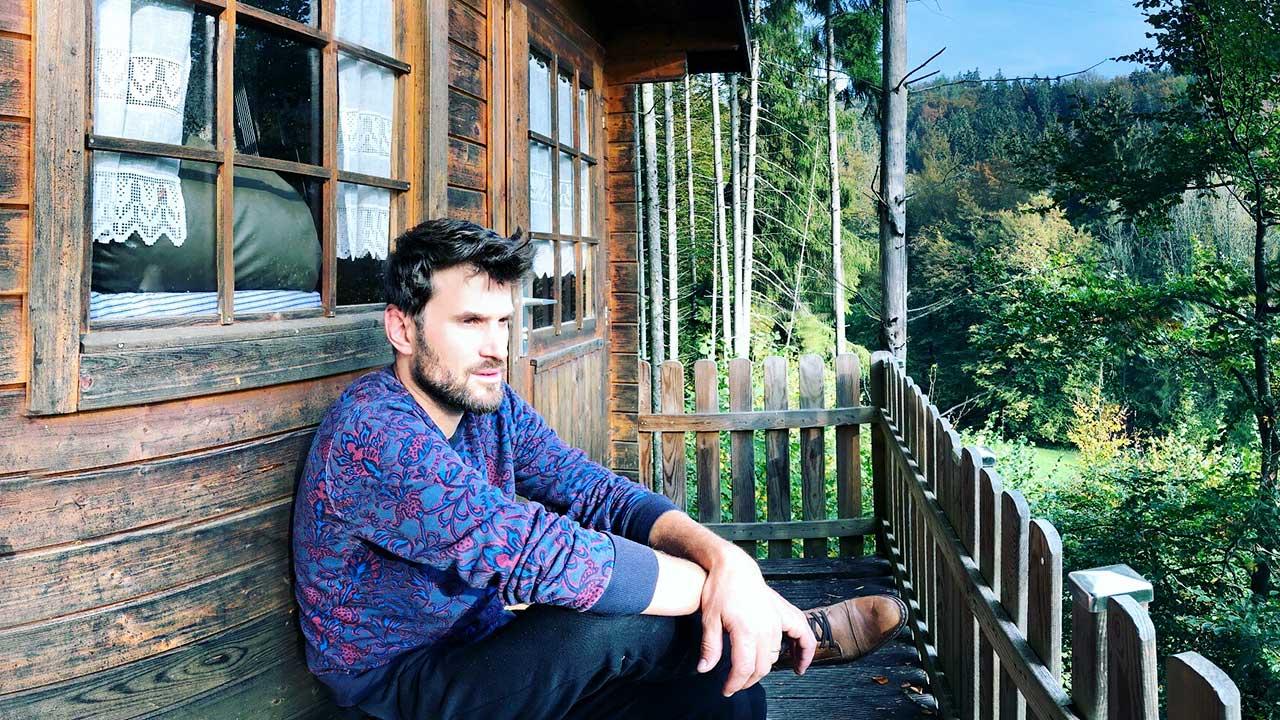 David Wöhrle auf seinem Baumhaus