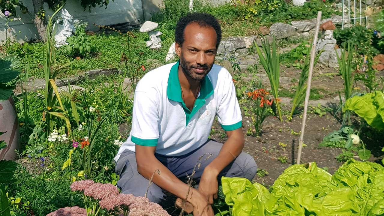Wendelin Matawa Keller im Garten