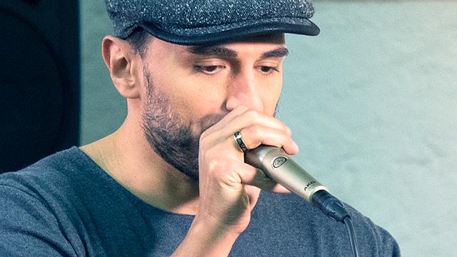 Miguel Camero am Beatboxen