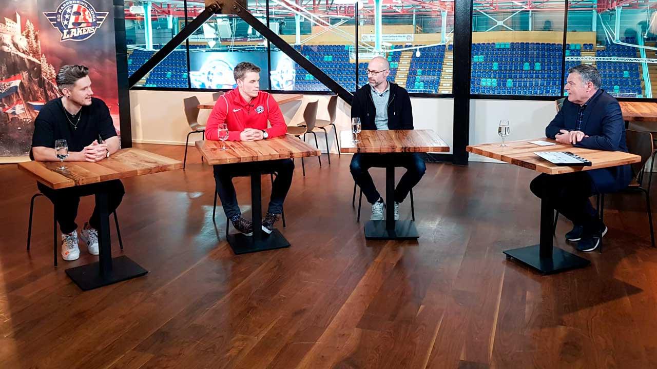Ruedi Josuran und Gäste bei den Dreharbeiten zum Talk «Hockey im Kopf»
