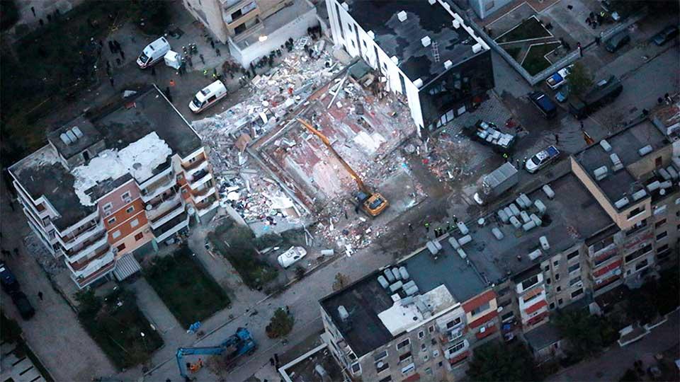 Eingestürztes Gebäude in Durrës | (c) Dipartimento Protezione Civile/Italien