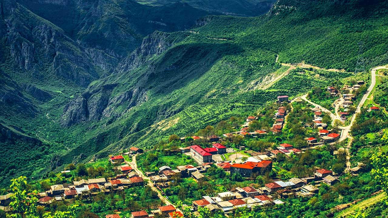 Bergdorf in Armenien