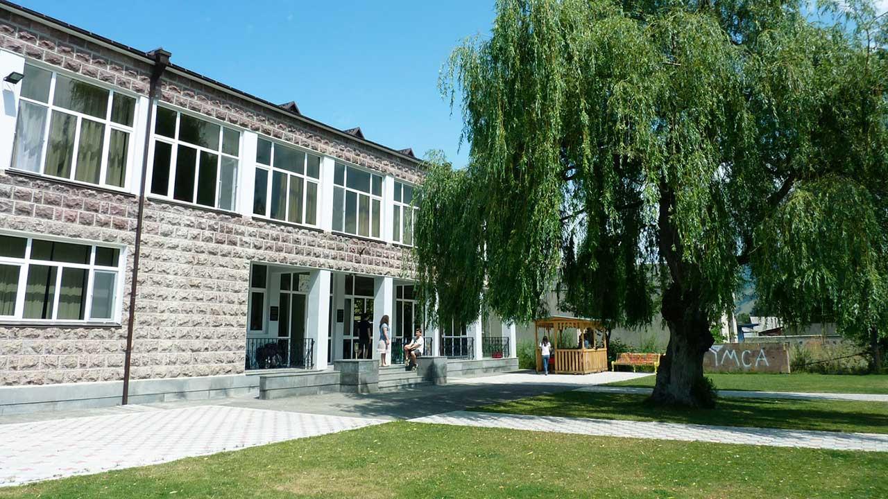 YMCA-Gebäude in Spitak, Armenien