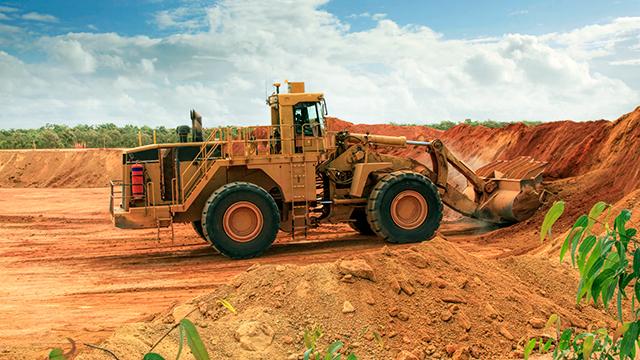 Bulldozer in einer australischen Bauxitmine
