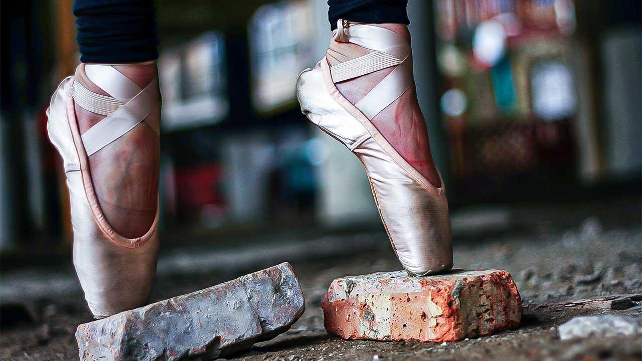 Balletttänzerin auf Zehenspitzen