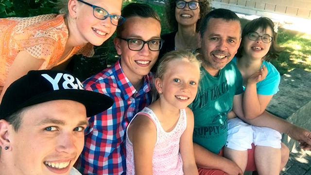 Christine Baumgartner (oberer Bildrand rechts) mit Familie