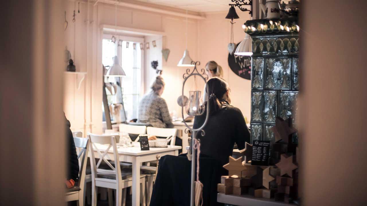 Blick ins Café Kafichanne