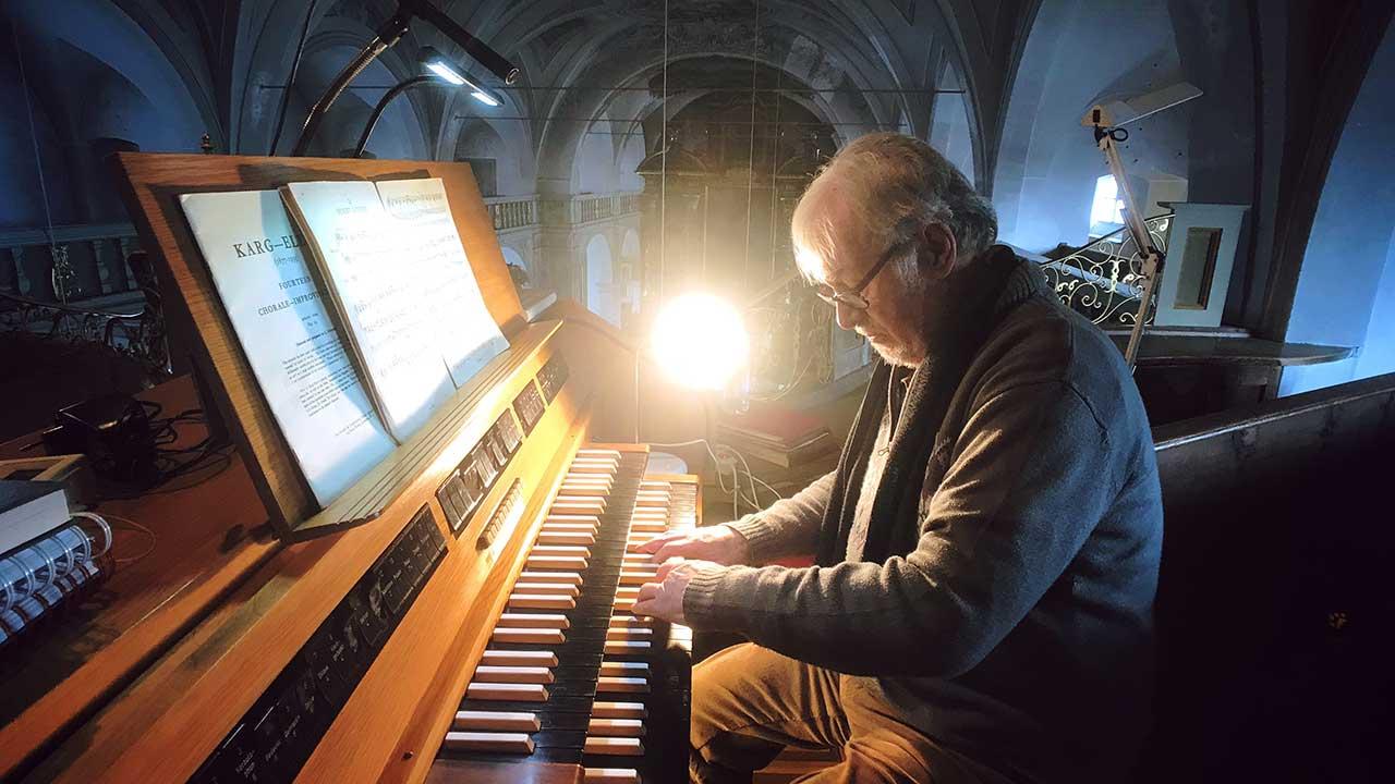 Organist im Franziskanerkloster in Gars am Inn in Deutschland