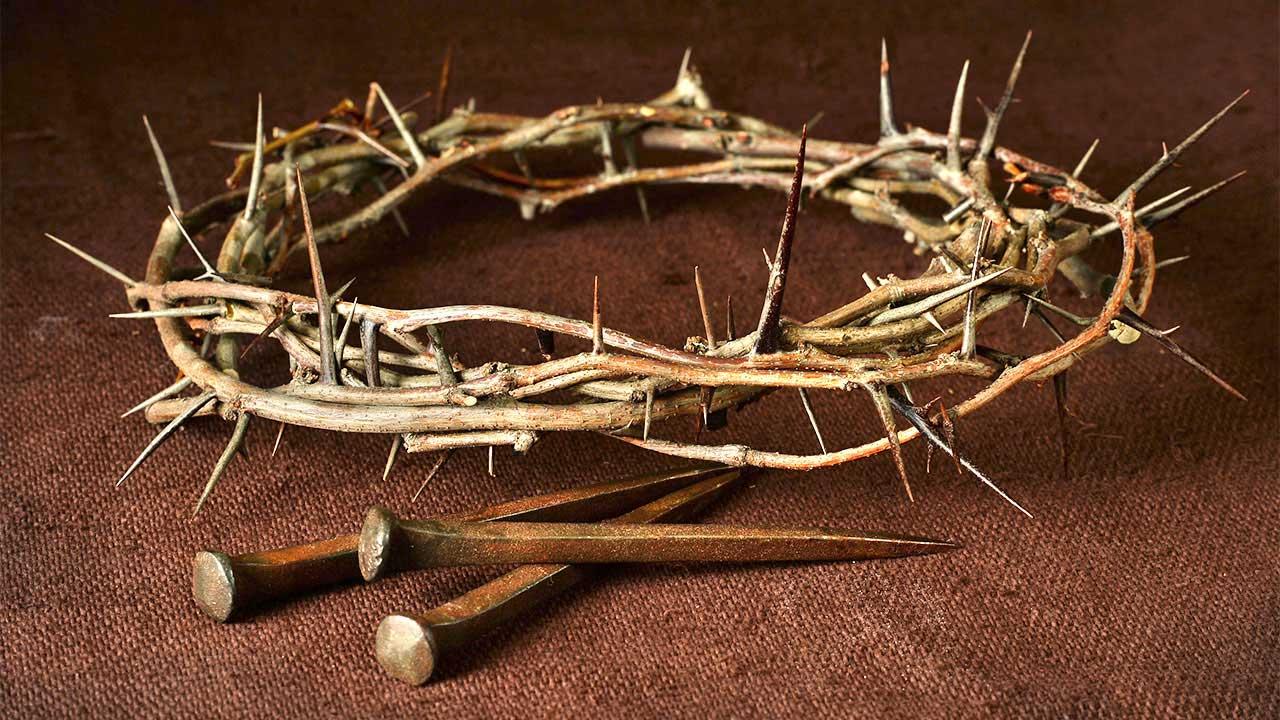 Karfreitag und Ostern - Kreuzigung von Jesus mit Dornen und Nägeln