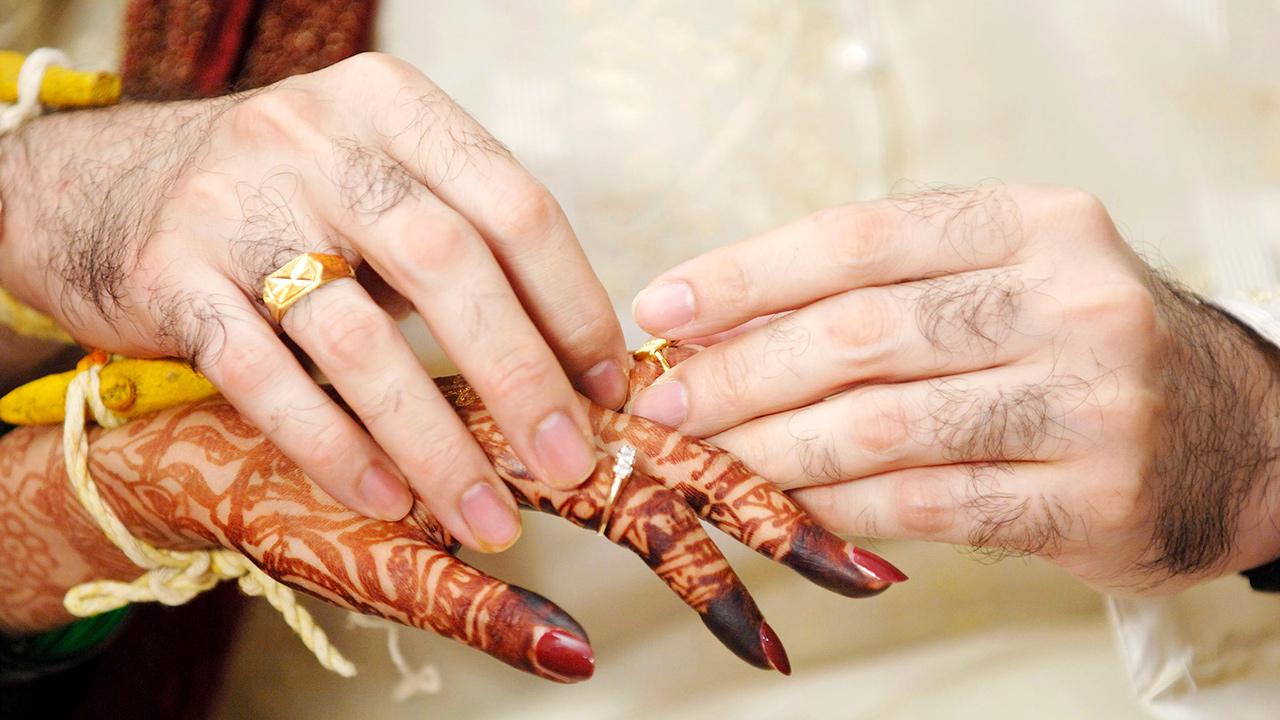 Verschiedene Kulturen heiraten