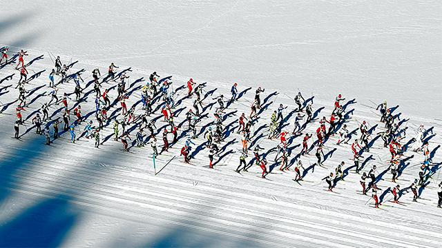 Läufer am Engadin Skimarathon
