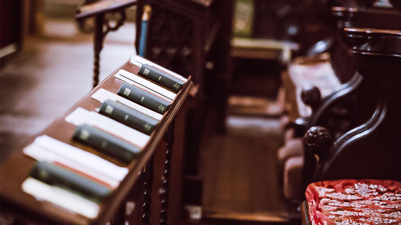 Gesangbücher in der Kathedrale von Wells