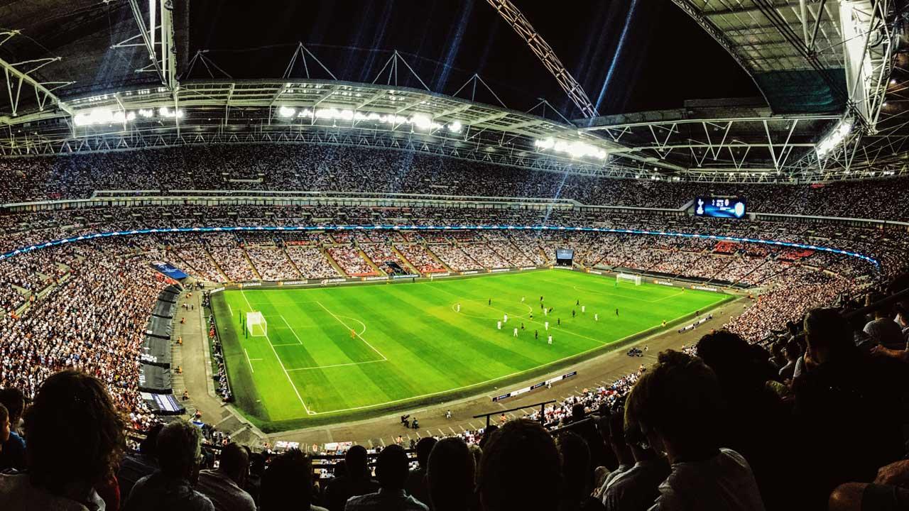 Fussballspiel im Wembley-Stadion