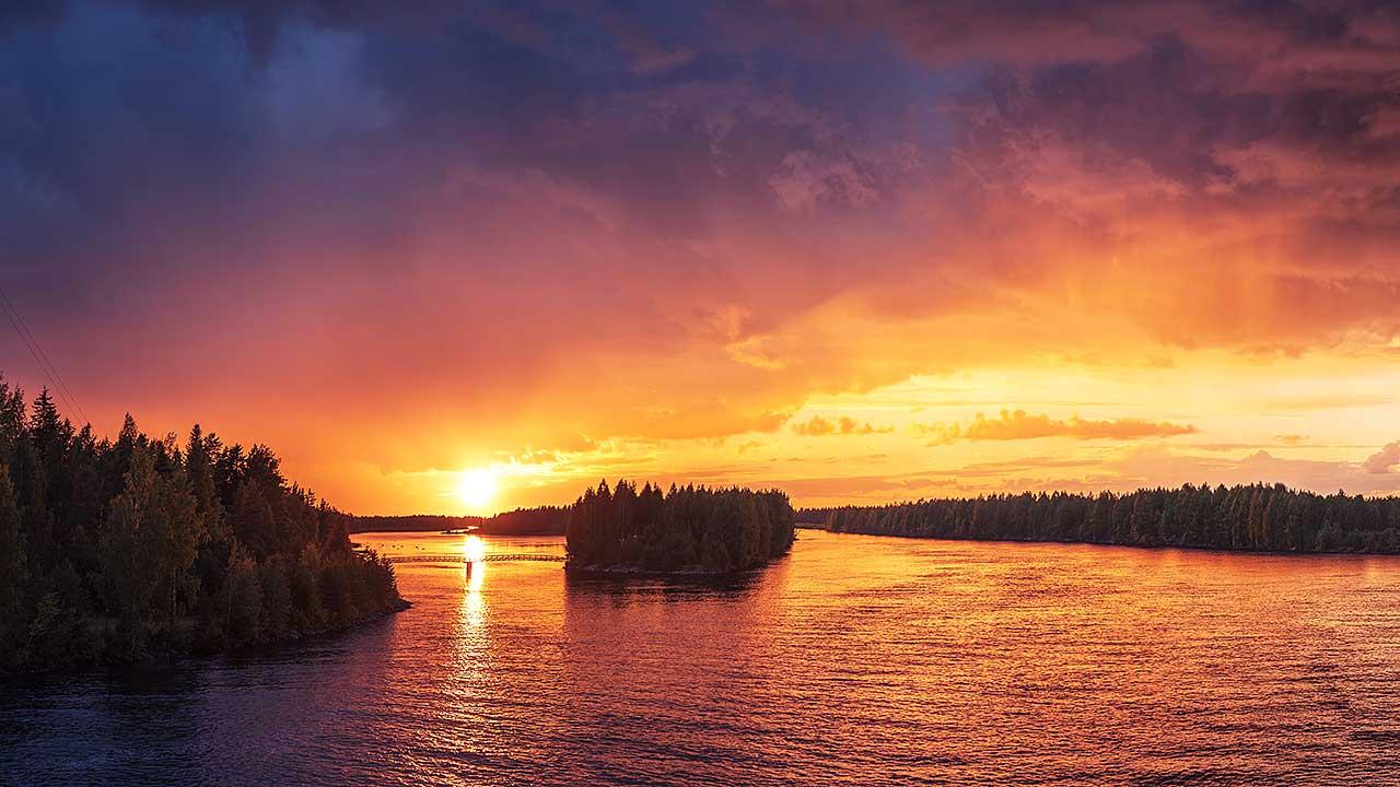 Sonnenuntergang in Vaala, Finnland