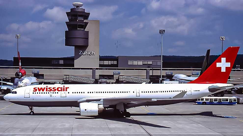 Airbus 330-223 auf dem Flughafen Zürich-Kloten 1999