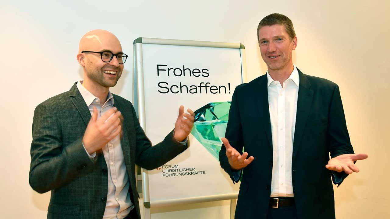 Referent Adriel Jost und Co-Präsidnet Joel Blunier