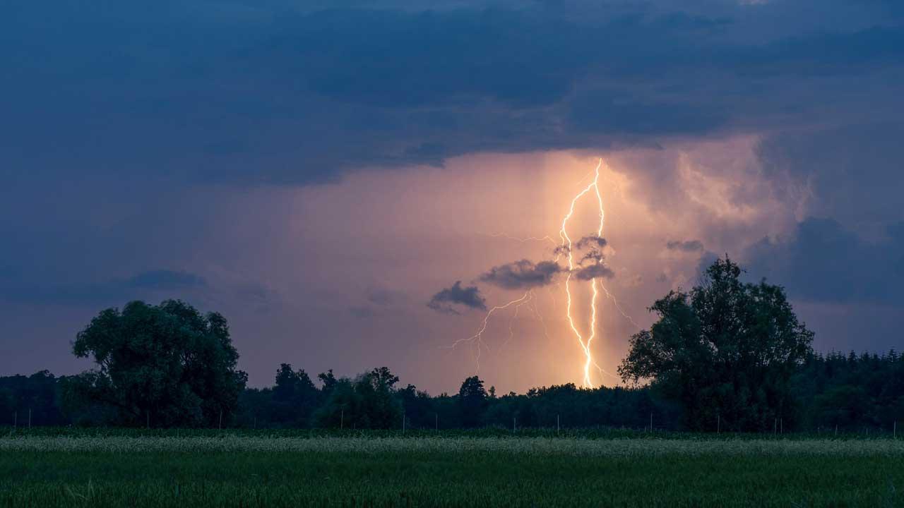 Gewitter mit Blitz im Elsass