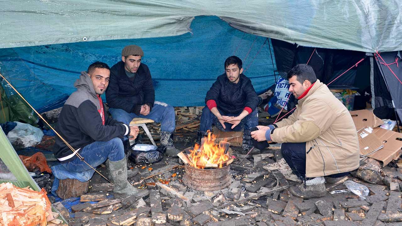 Flüchtlinge im Lager Grande-Synthe in Frankreich