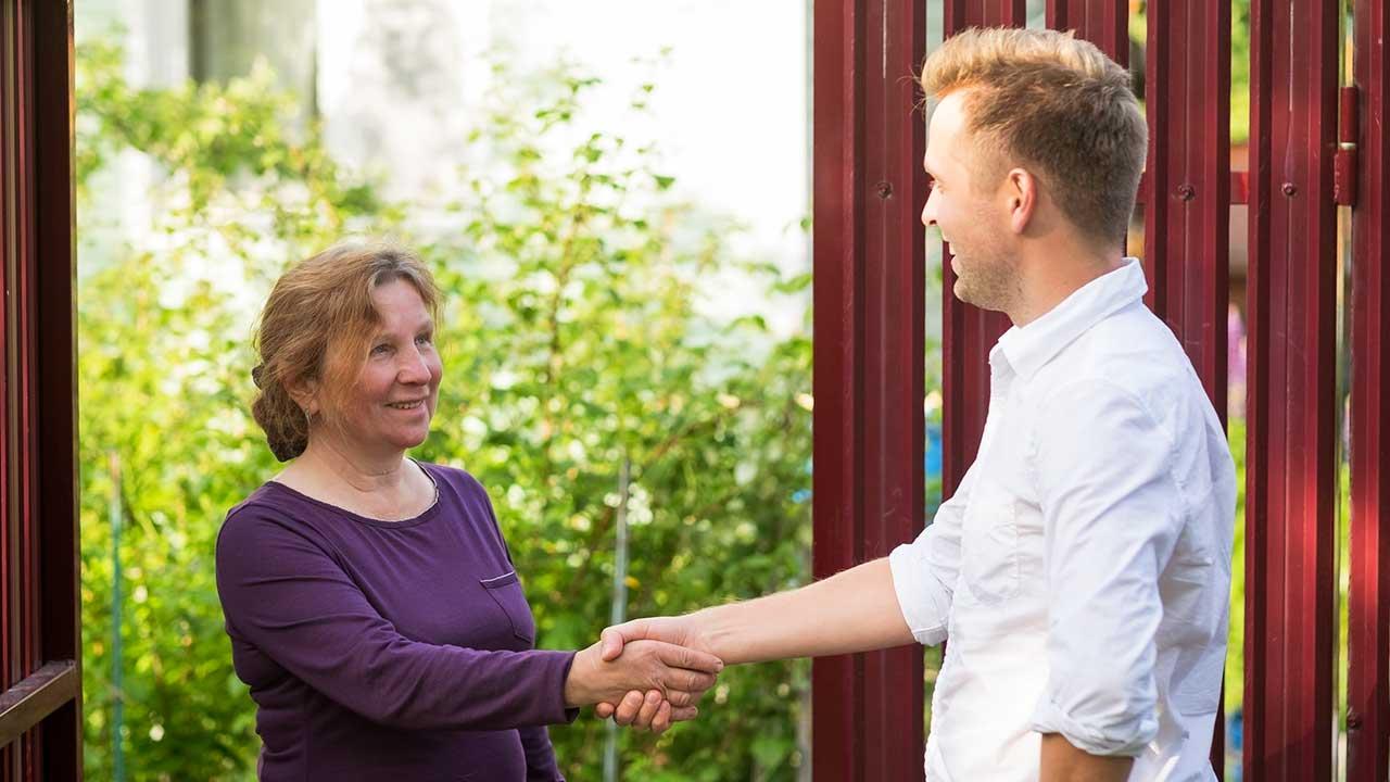 Gute nachbarschaftliche Beziehungen machen Freude