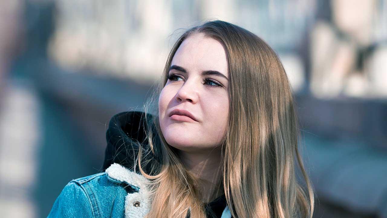 junge Frau