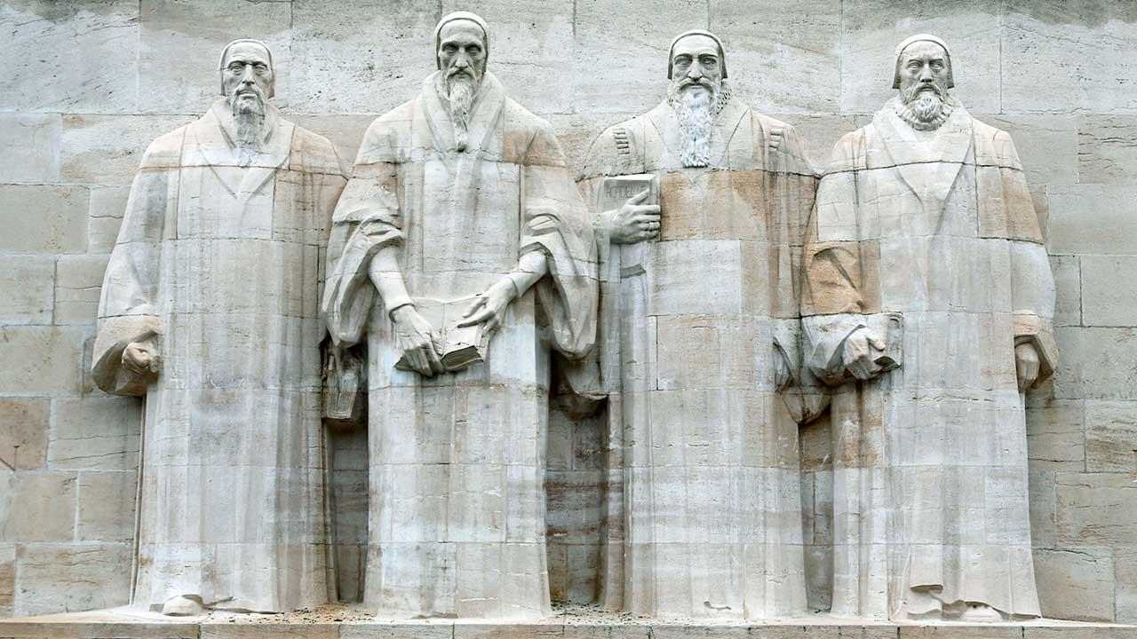 Reformationsdenkmal mit vier Reformatoren in Genf