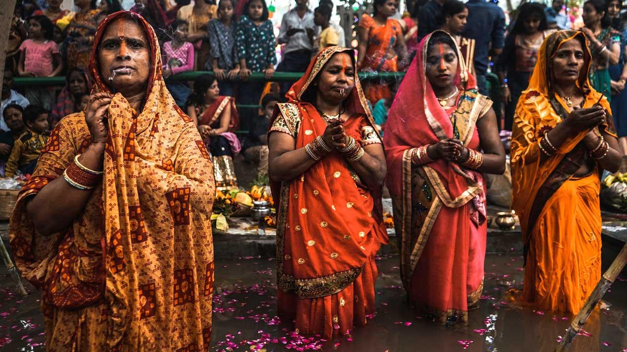 Hindu-Frauen am Beten