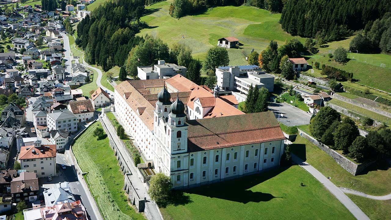 Kloster Disentis von oben