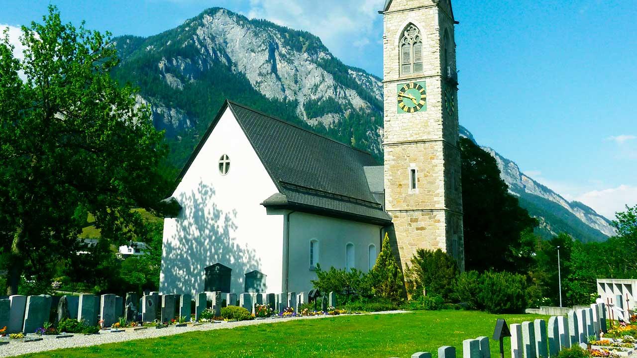 reformierte Kirche Tamins GR | (c) Adrian Michael/Wikipedia