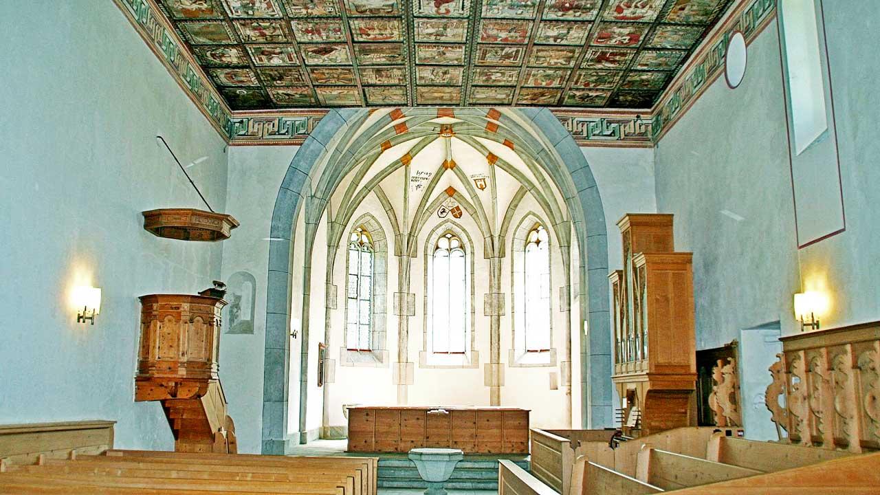 Im Innern der Kirche St. Martin in Zillis GR