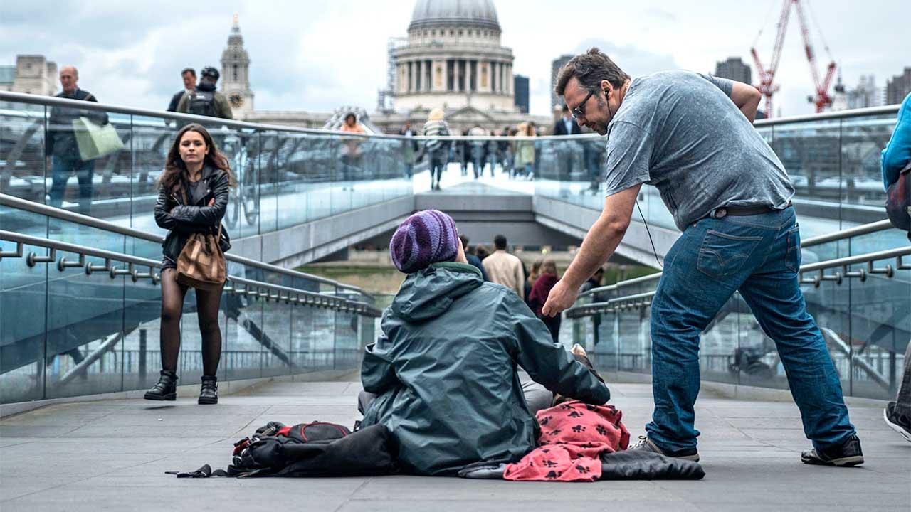 Eine Geste der Grosszügigkeit in London   (c) Tom Parsons/Unsplash
