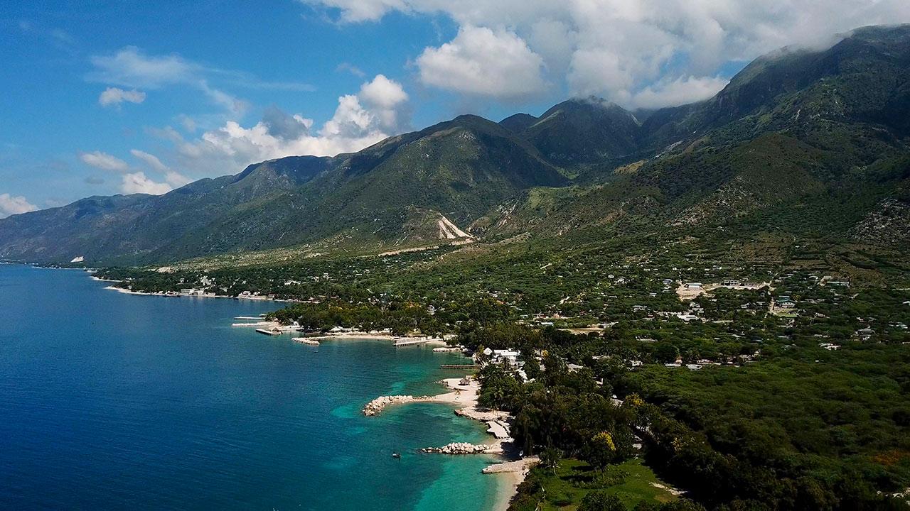 Haiti - Berge und Meer