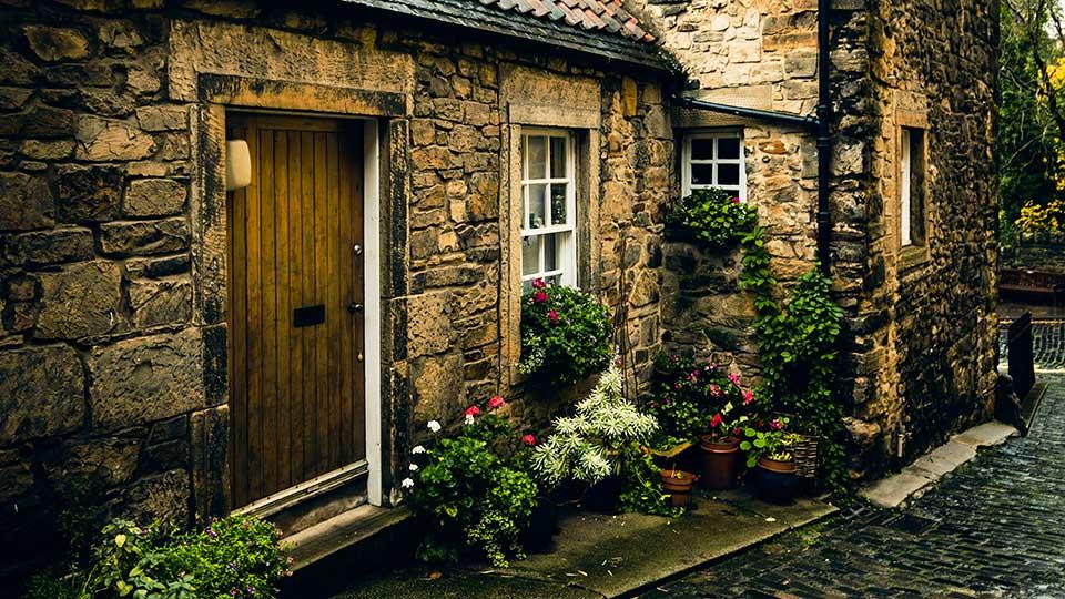 Eingang zu einem gemütlichen Zuhause | (c) Norbert Toth/Unsplash