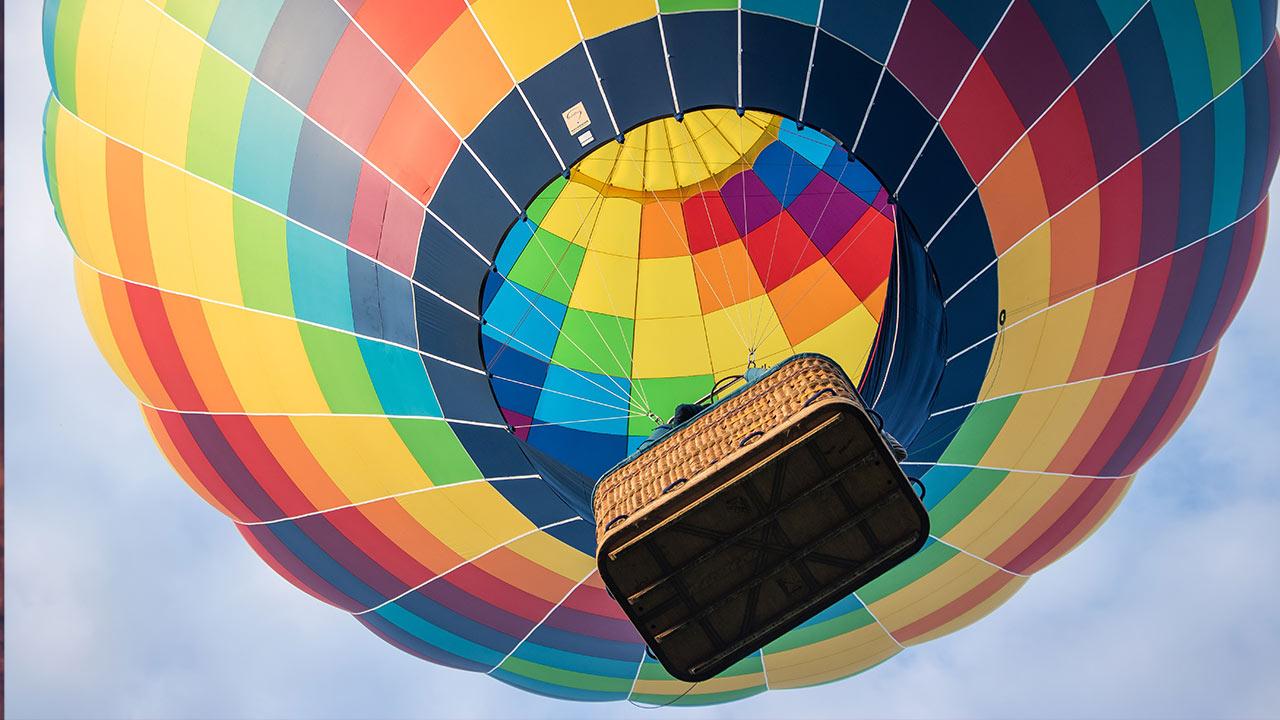 Mit dem Heissluftballon in den Himmel steigen | (c) unsplash