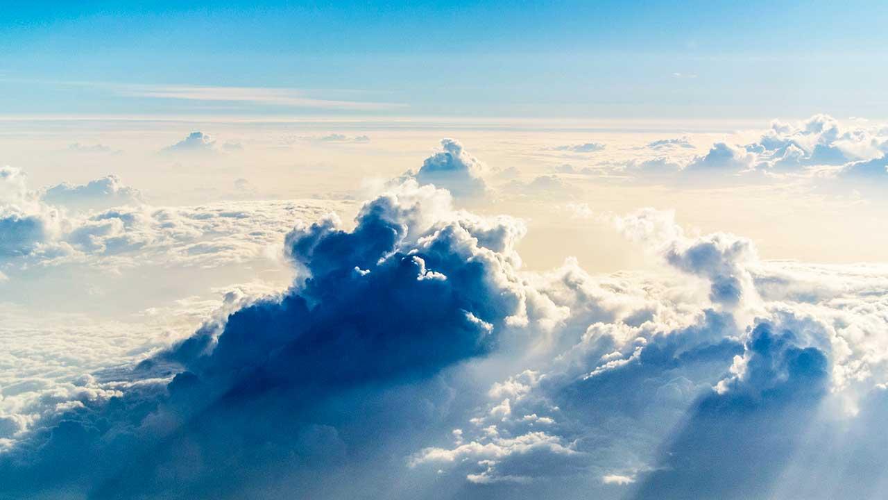Wolken in der Stratosphäre