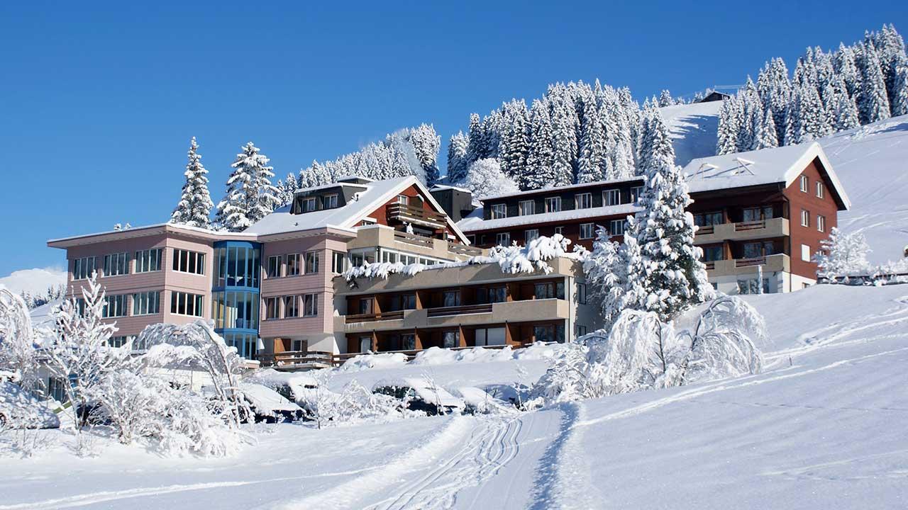 Hotel Alpina Adelboden im winterlichen Schneekleid