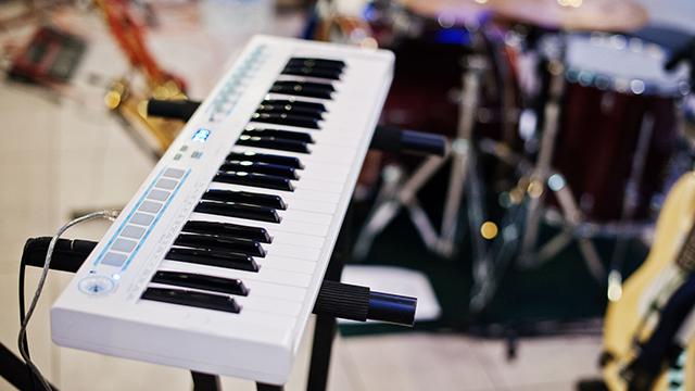 Piano (c) 123rf