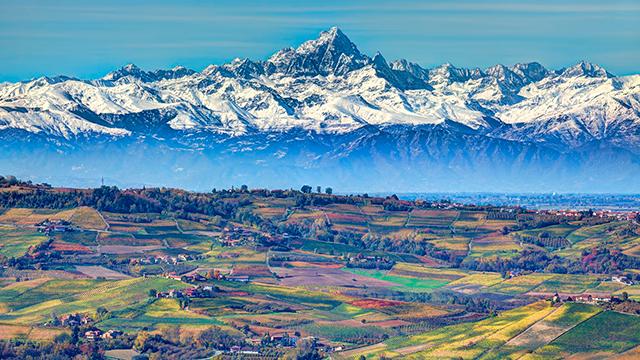 Hügel und Berge des Piemonts