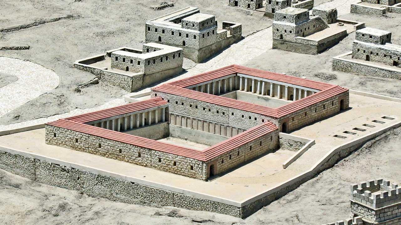 Modell der Bethesda-Zisterne in Jerusalem