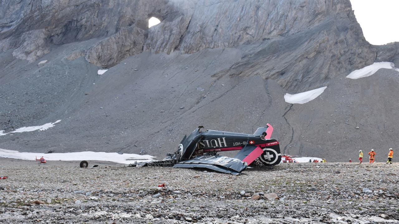 Ju 52 - Unfallstelle bei Piz Segnas oberhalb Flims (c) Kantonalpolizei Graubünden