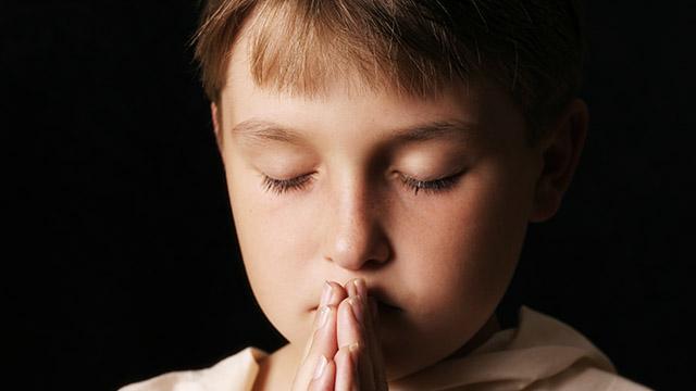Junge am Beten | (c) unbekannt