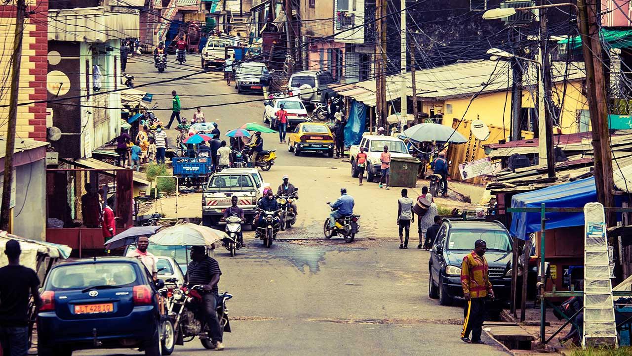 Strassenszene in Douala, Kamerun