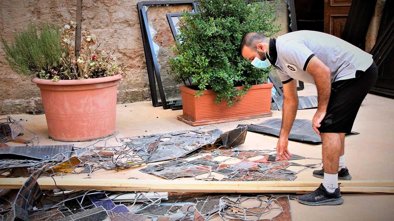 Wiederaufbau in Beirut: Ein Mann packt an.