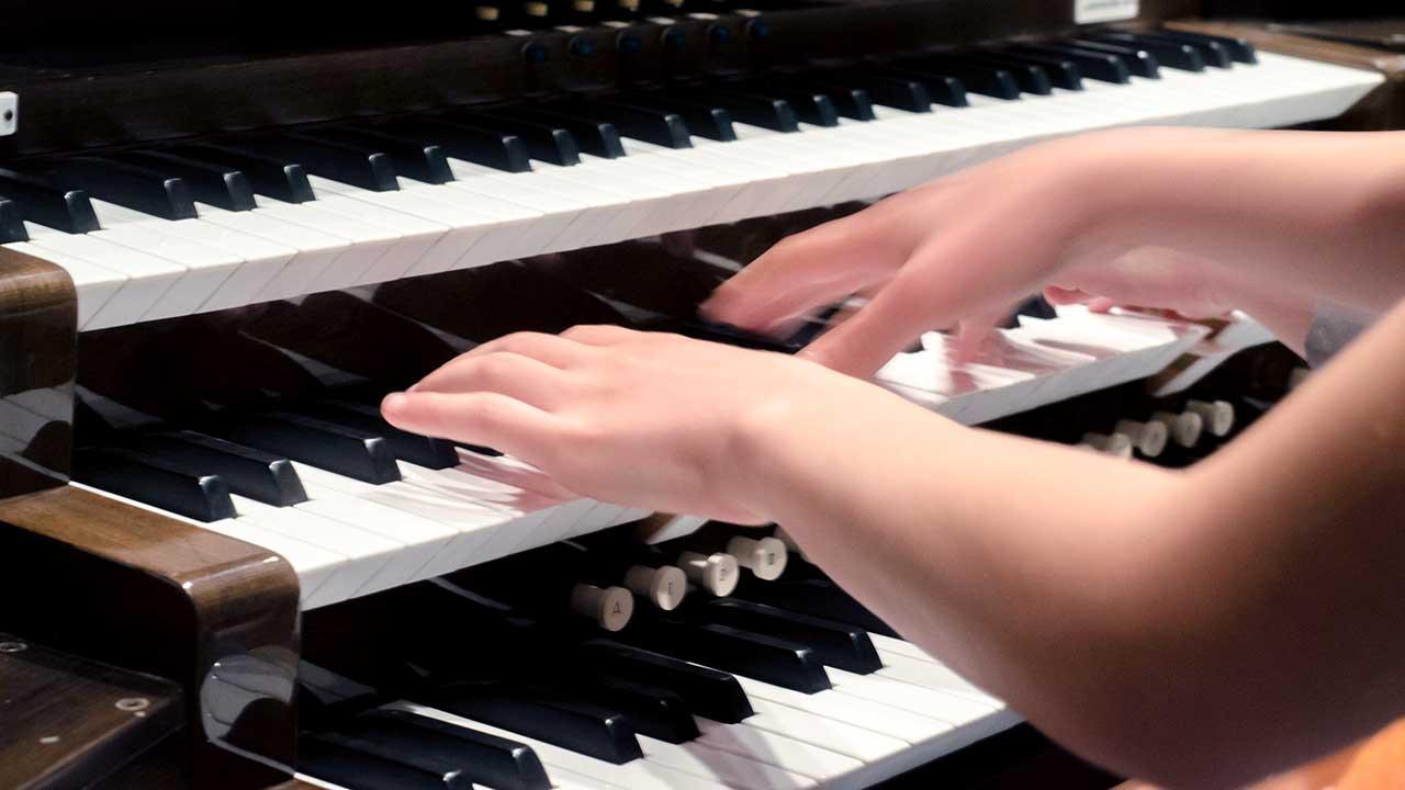 Ein Instrument der Kirchenmusik: die klassische Kirchenorgel