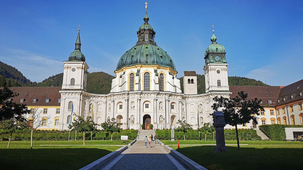 Kloster_Ettal_Bayern_| © Philipp Schneidenbach on unsplash