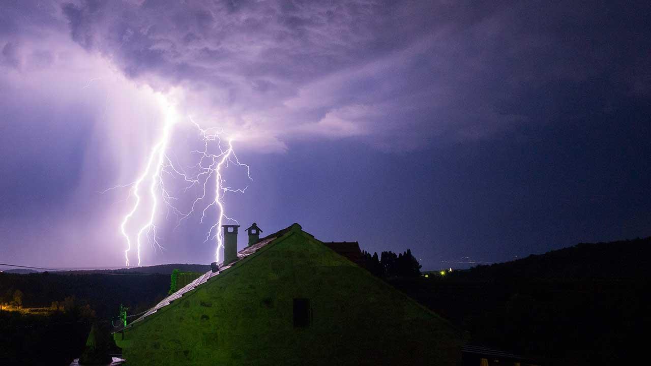 Blitz über Pitve in Kroatien