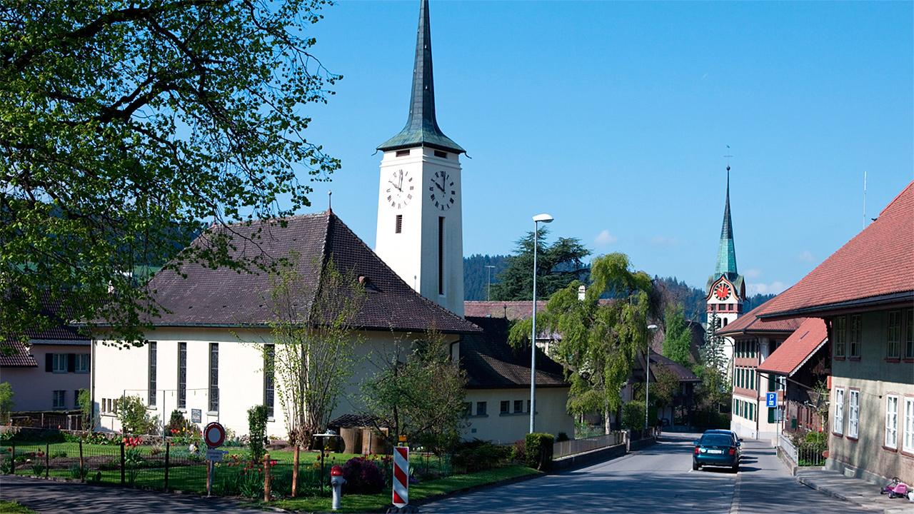 Katholische und reformierte Kirche in Langau im Emmental
