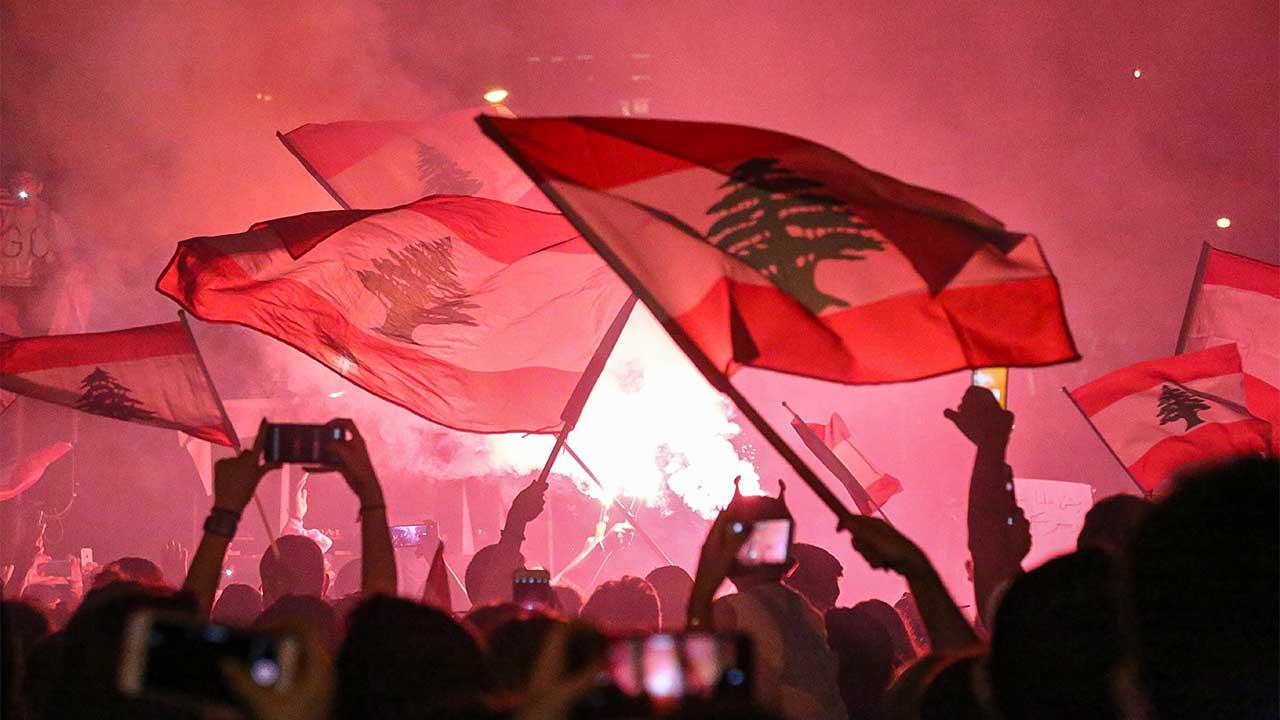 Libanesische Flaggen an einer Veranstaltung in Beirut