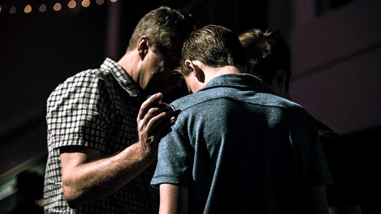 Einander Vergebung zusprechen | (c) Jack Sharp/Unsplash