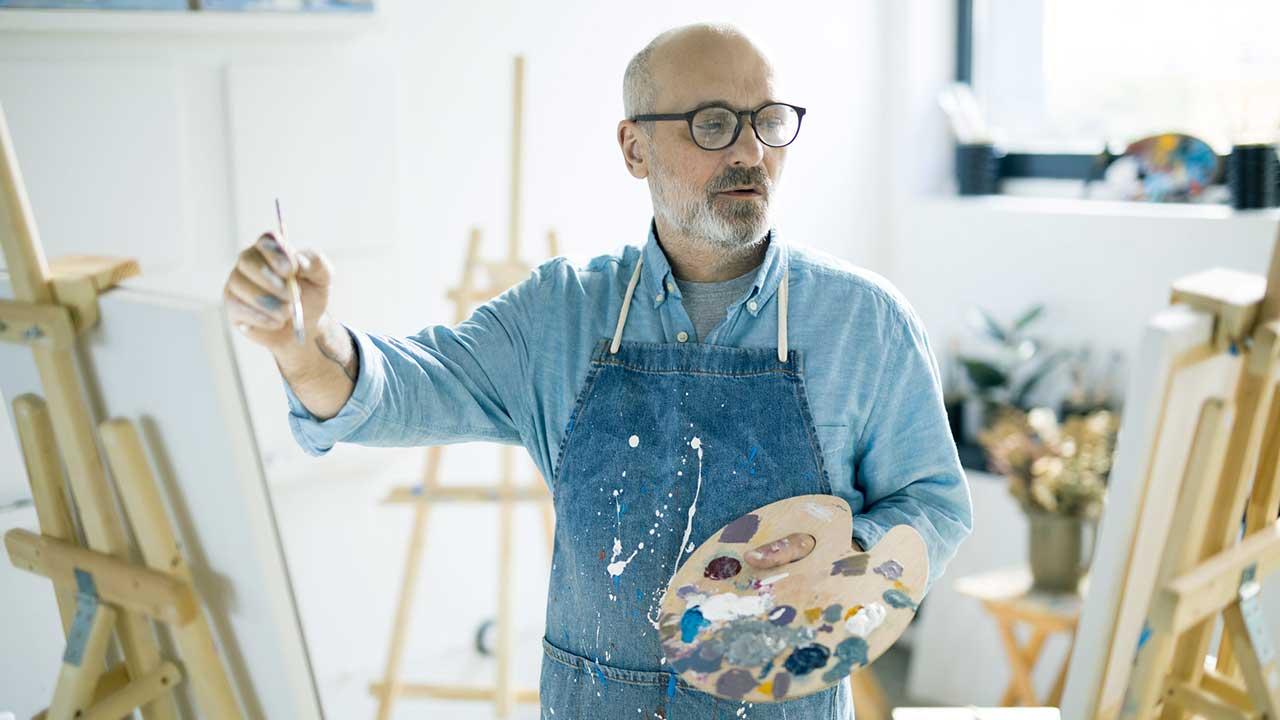 Mann mit Ader für Kreativität